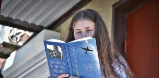 Книга Бортника и девочка