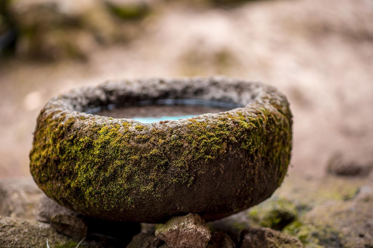 Вода в камне.