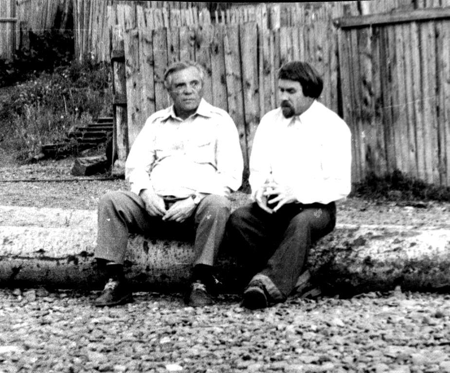 Виктор Астафьев (слева) и Валентин Курбатов.
